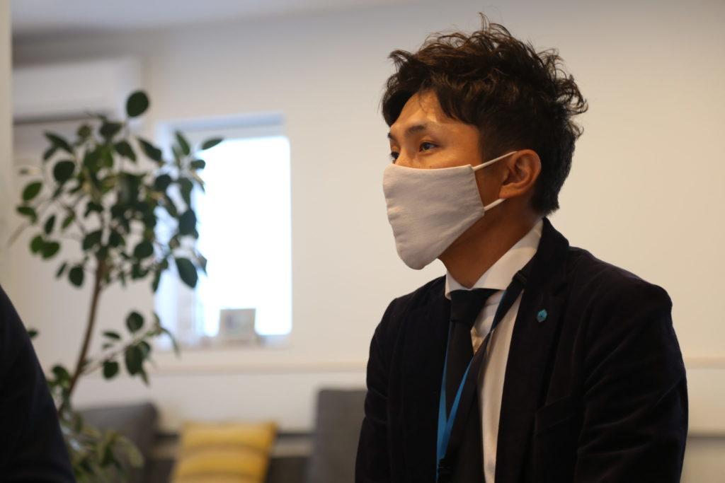 SAKAI株式会社臼井代表のインタビュー時の写真